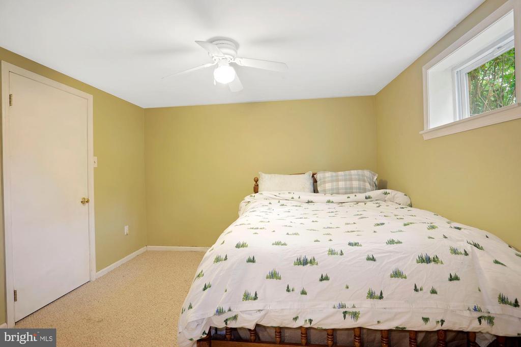 Lower level Bedroom 3 - 1309 N GLEBE RD, ARLINGTON
