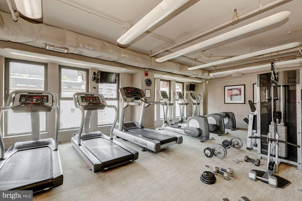 Well-Equipped Gym - 777 7TH ST NW #1102, WASHINGTON