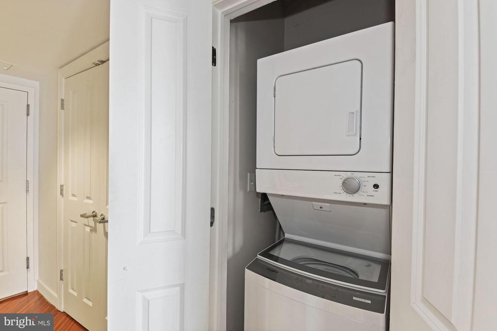 A New Washer and Dryer Also Awaits - 777 7TH ST NW #1102, WASHINGTON