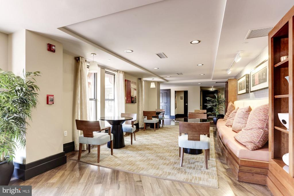 Ample Common Areas - 777 7TH ST NW #1102, WASHINGTON