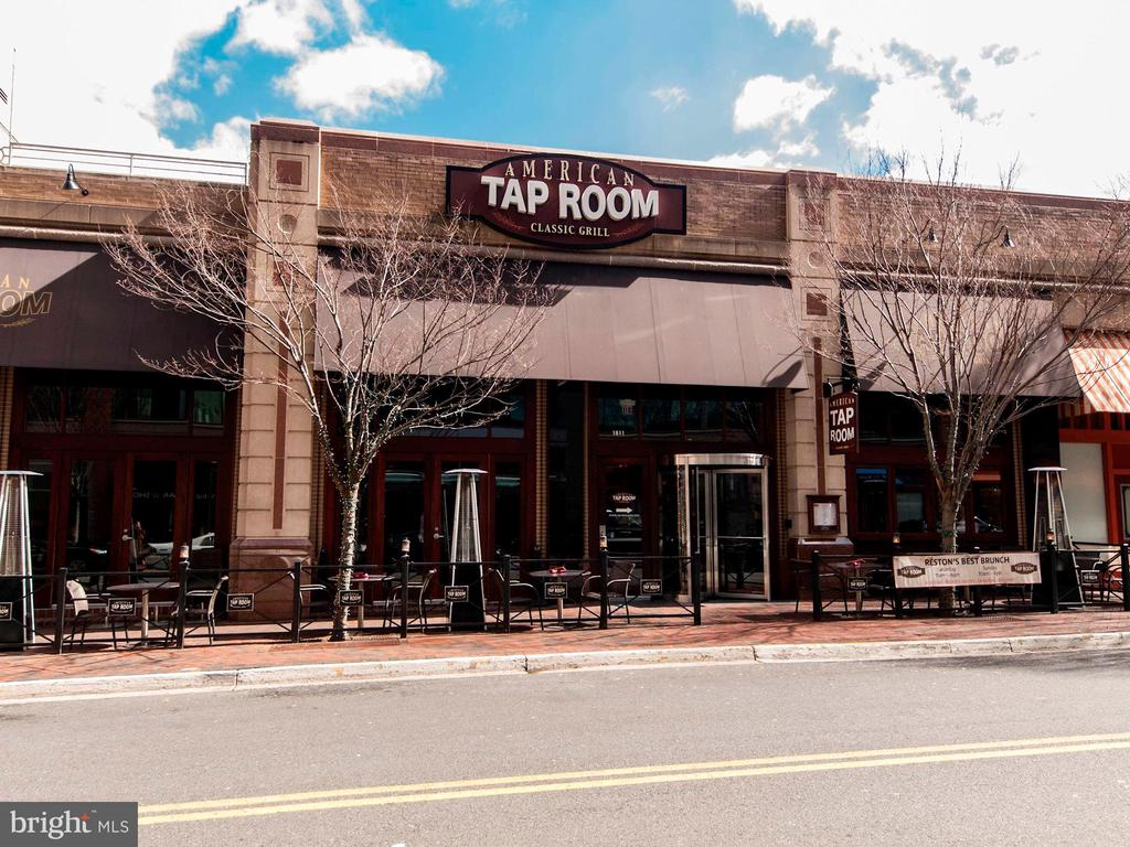 Town Center Restaurants - 12197 CHANCERY STATION CIR, RESTON