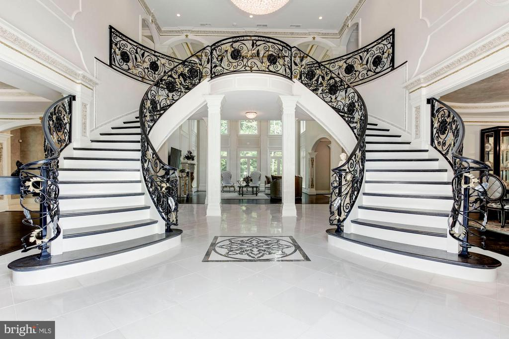 Foyer / Reception - 432 SPRINGVALE RD, GREAT FALLS