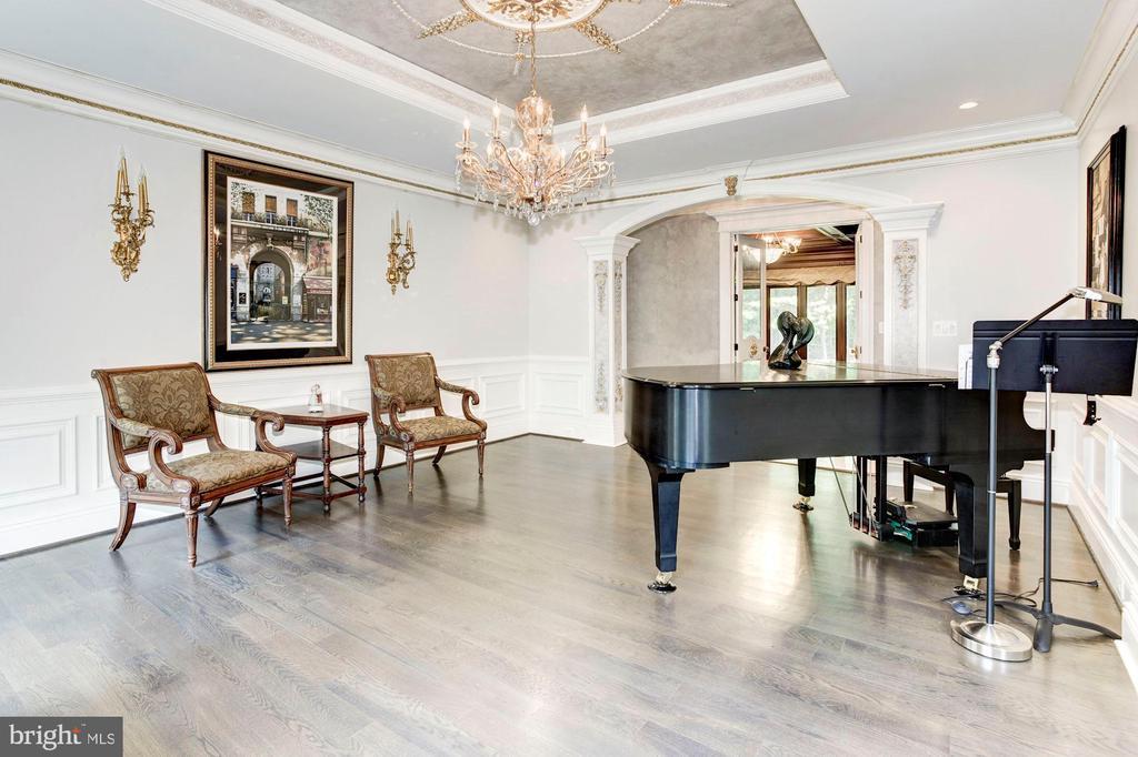 Living Room - 432 SPRINGVALE RD, GREAT FALLS
