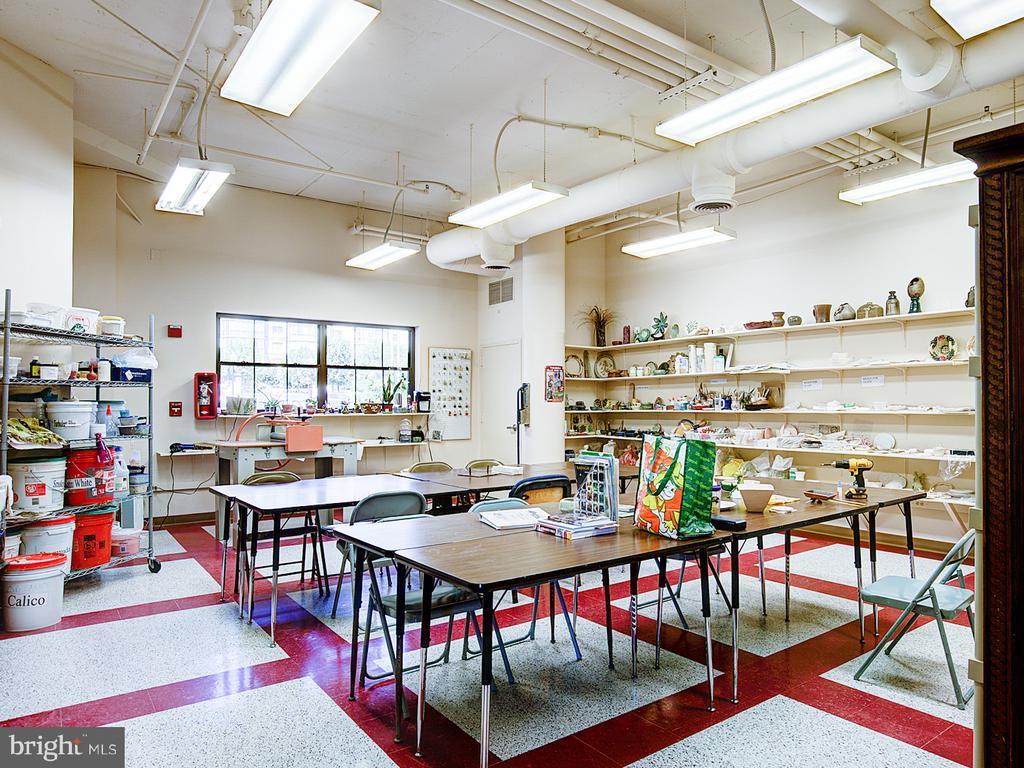 Ceramic Studio - 19375 CYPRESS RIDGE TER #804, LEESBURG