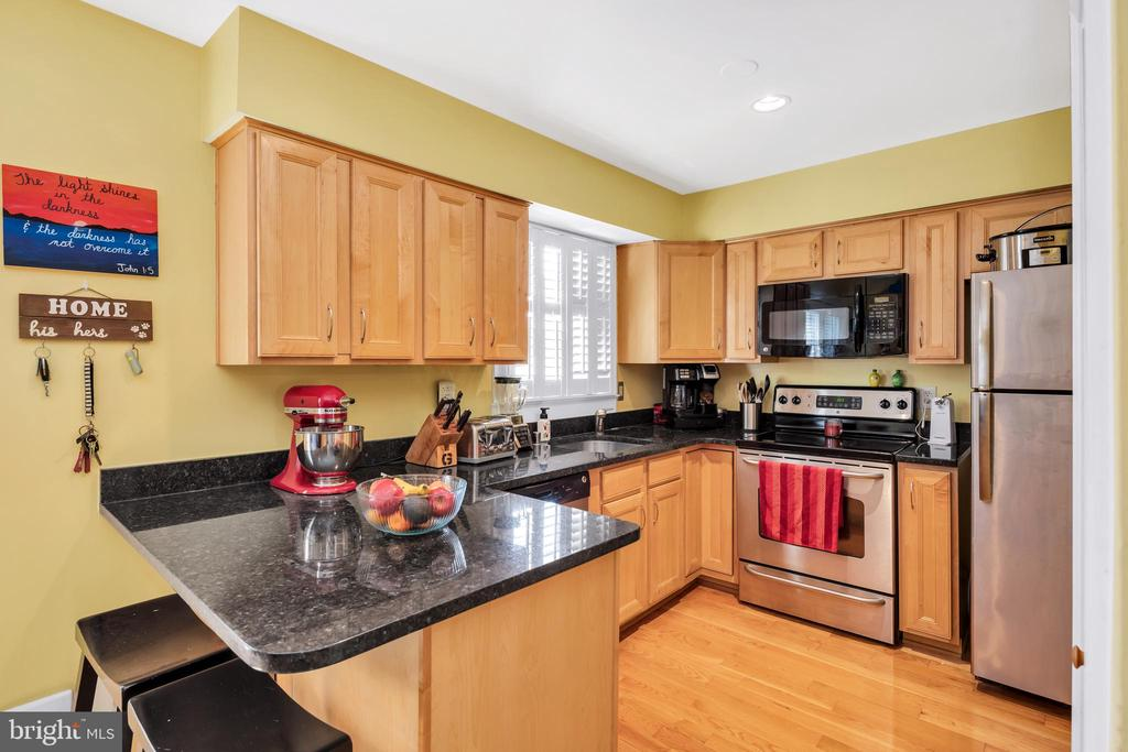 Granite counter tops - 249 DAVIS AVE SW, LEESBURG