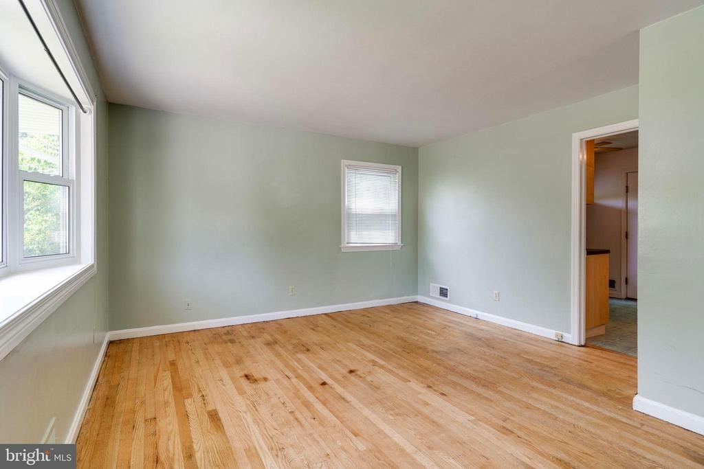 View of Living Room/Dining Room Combo - 4108 ADDISON RD, FAIRFAX