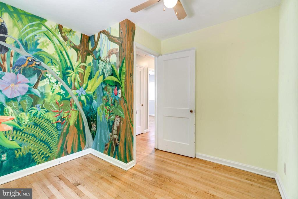 Custom Painted by 2 Family Artists! - 4108 ADDISON RD, FAIRFAX
