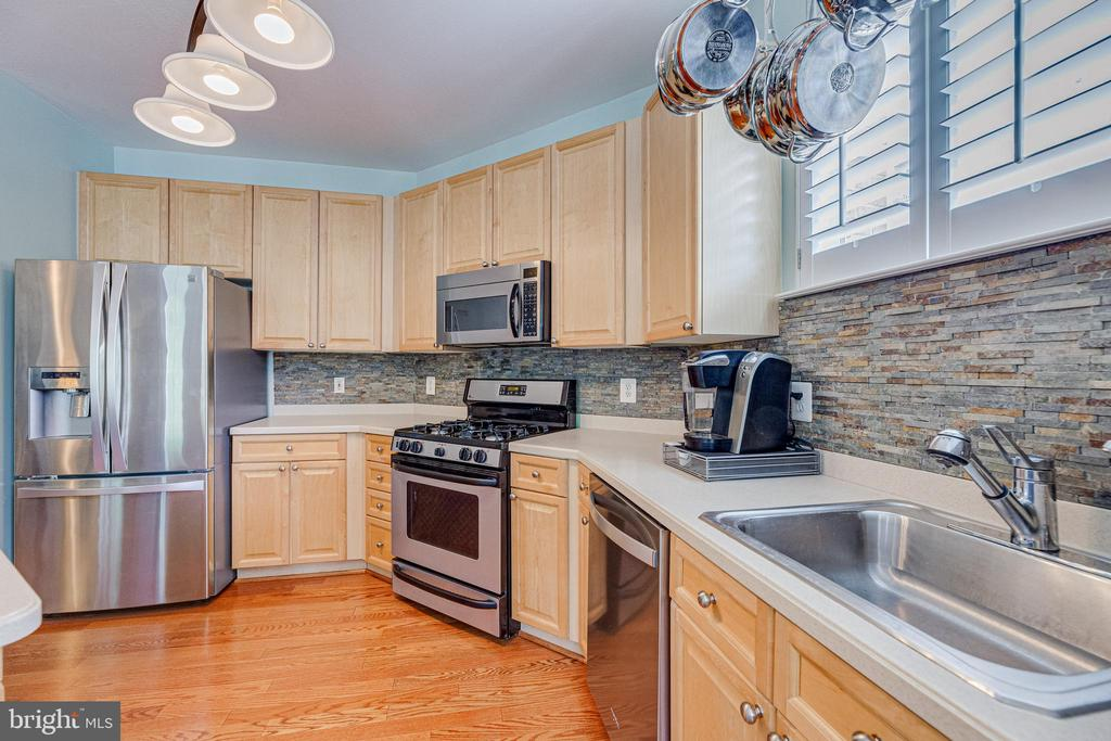 Open kitchen - 9480 VIRGINIA CENTER BLVD #117, VIENNA