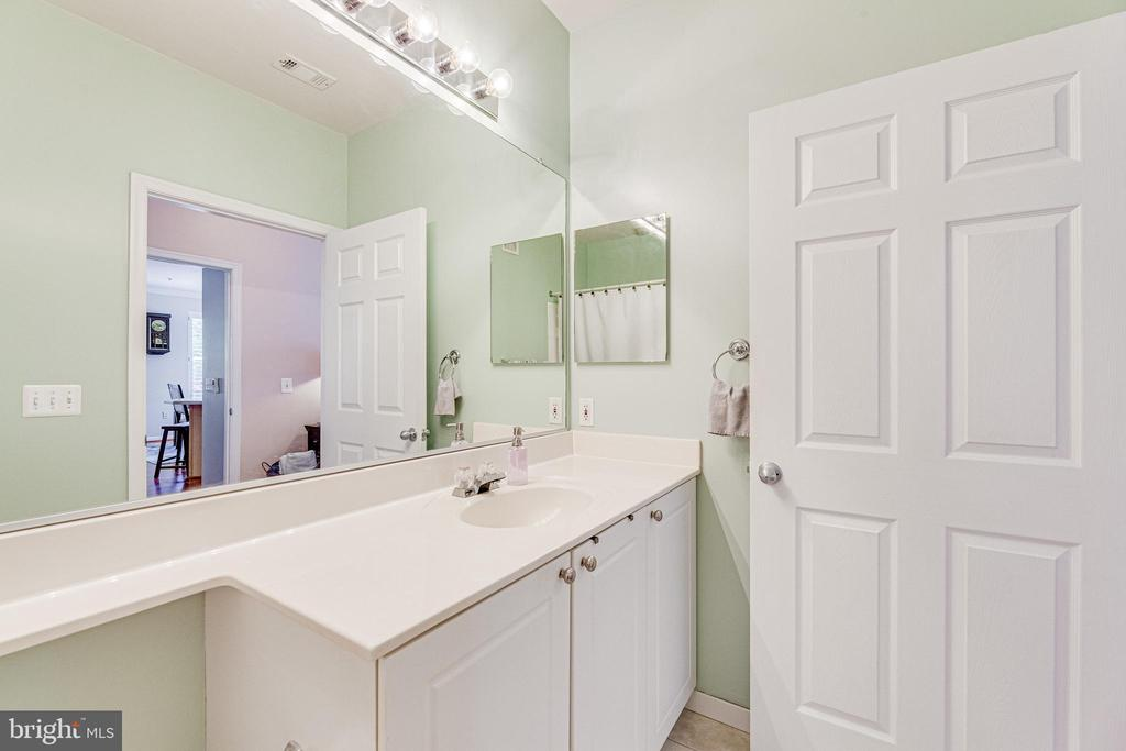 Master bathroom - 9480 VIRGINIA CENTER BLVD #117, VIENNA