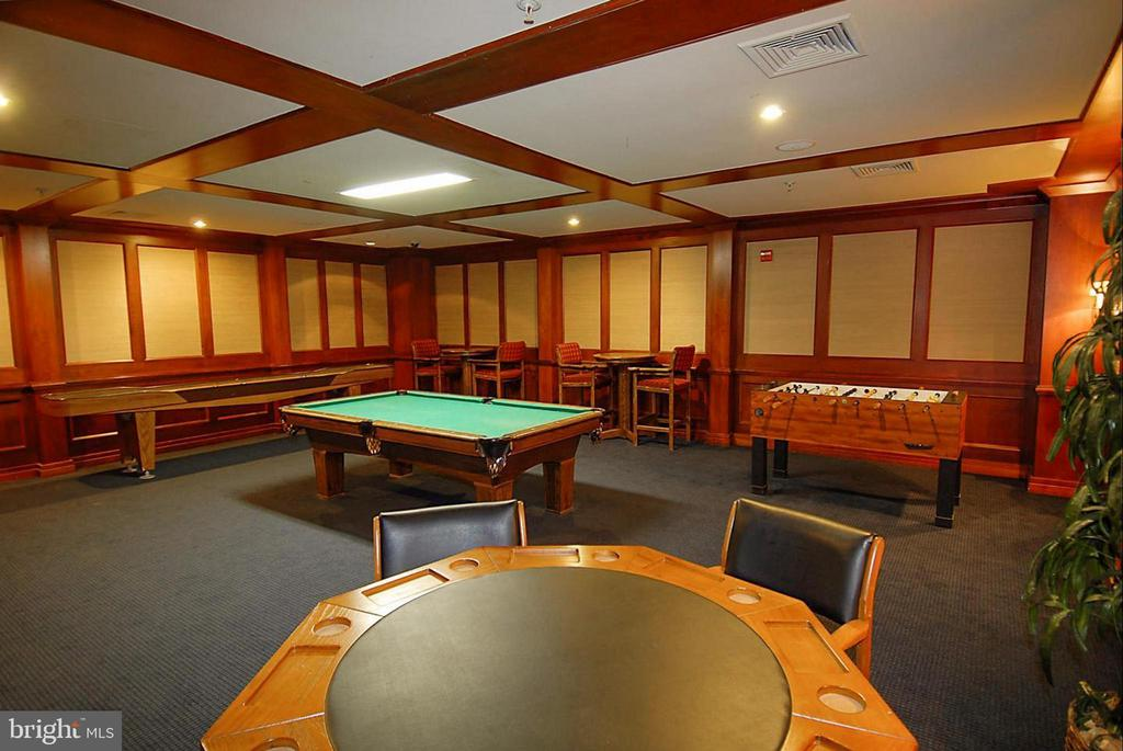 Game room/ Billiards in common areas. - 9480 VIRGINIA CENTER BLVD #117, VIENNA