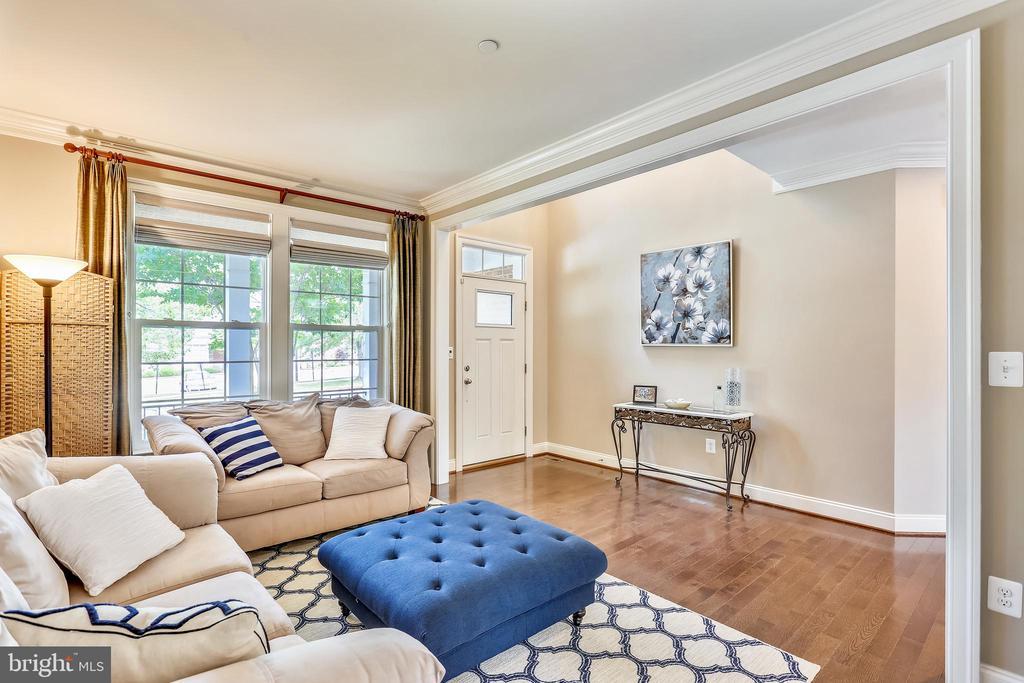 Living Room - 402 BEALL AVE, ROCKVILLE