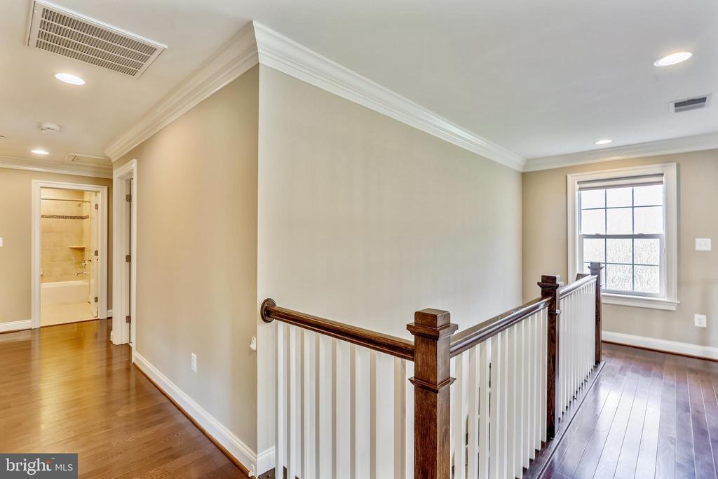 Upper Level Hallway - 402 BEALL AVE, ROCKVILLE