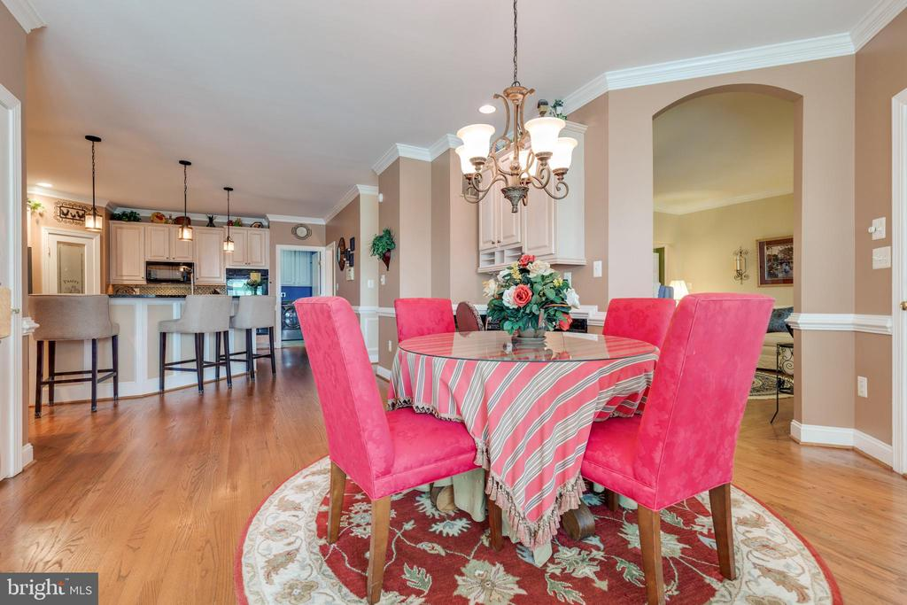 Breakfast Room Off Kitchen - 38235 MILLSTONE DR, PURCELLVILLE
