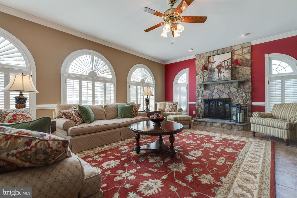 Floor to Ceiling Stone Fireplace - 38235 MILLSTONE DR, PURCELLVILLE