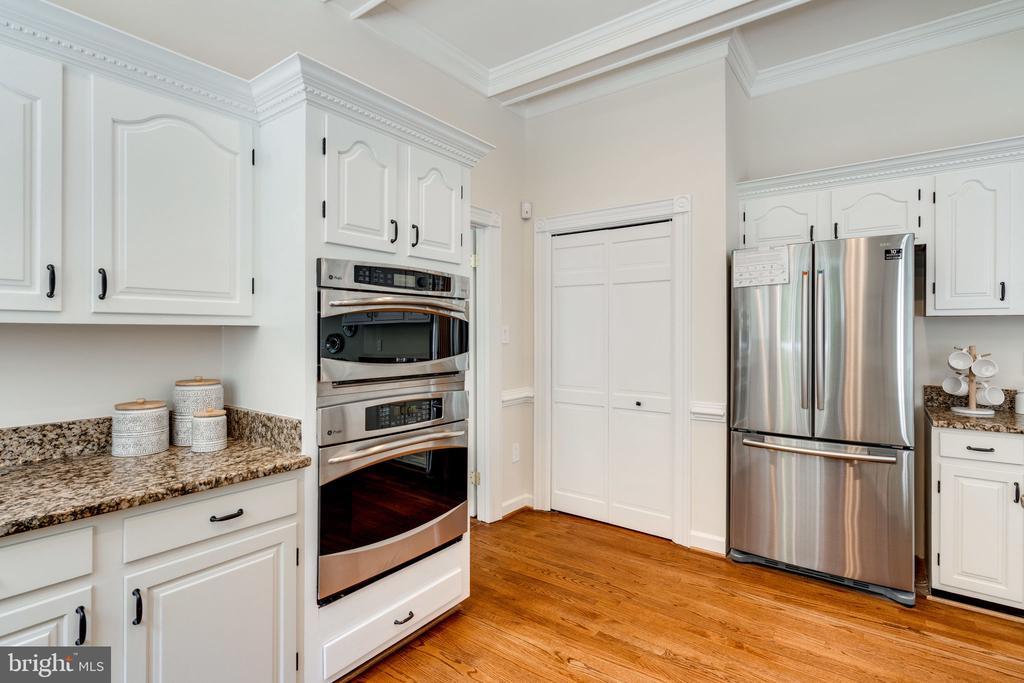 Pantry next to new fridge - 11112 HAMPTON RD, FAIRFAX STATION