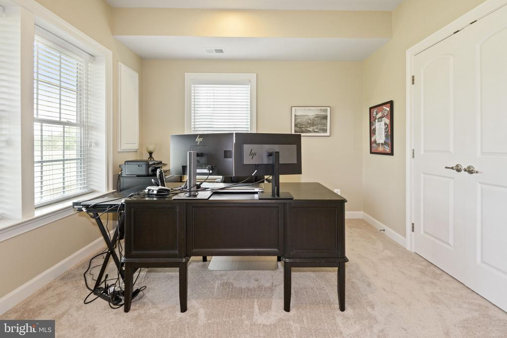 Fourth Bedroom or Home Office - 44380 FOXTHOM TER, ASHBURN
