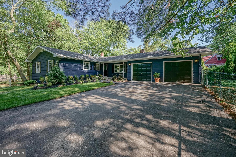 Single Family Homes pour l Vente à Clementon, New Jersey 08021 États-Unis