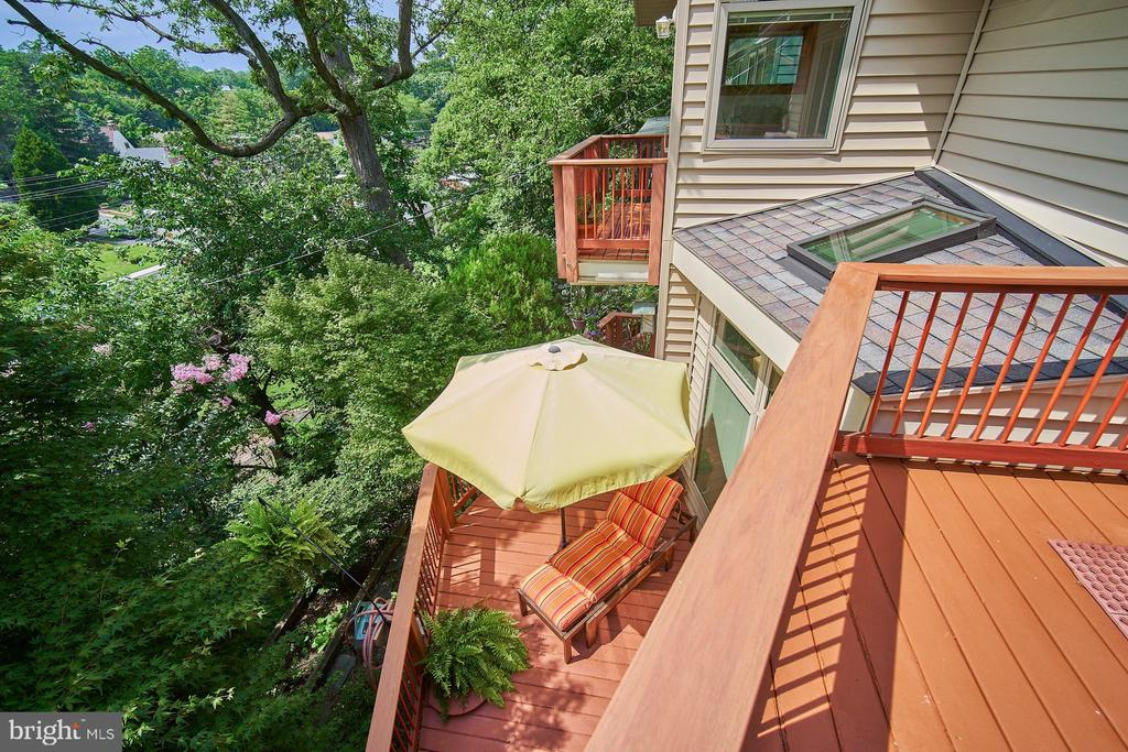 Stunning tree top views from all Balconies - 1406 N JOHNSON ST, ARLINGTON