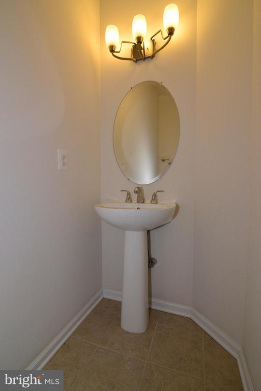 Lower Level Powder Room - 43275 MITCHAM SQ, ASHBURN