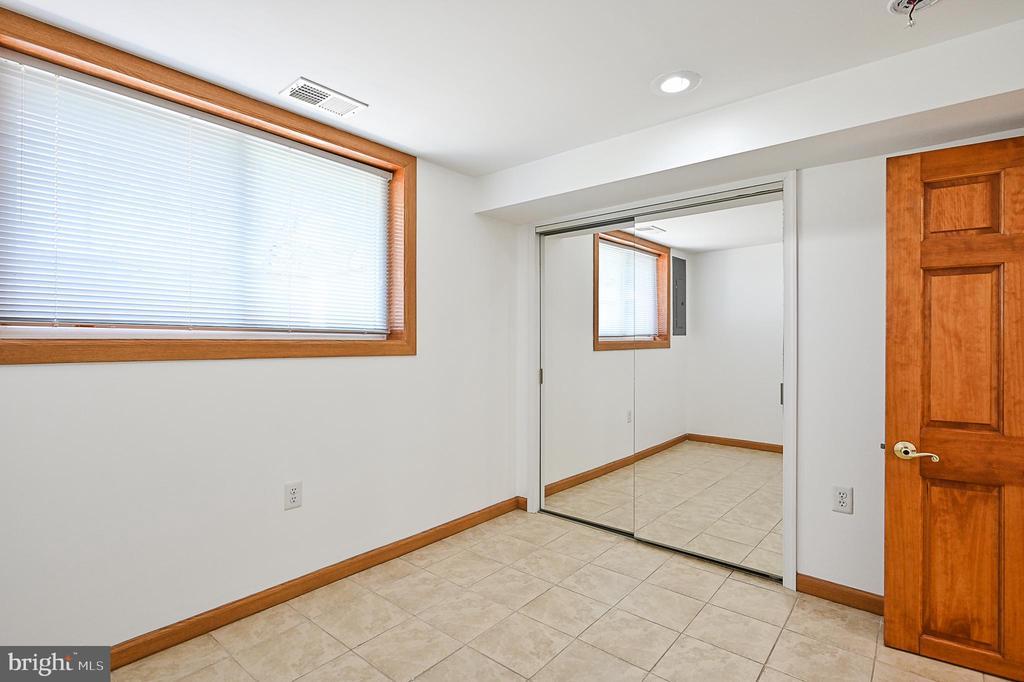 Bedroom 4 - 5700 CHAPIN AVE, ALEXANDRIA