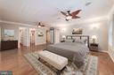 Four Seasons Master Suite Retreat w/outdoor access - 7395 BEECHWOOD DR, SPRINGFIELD