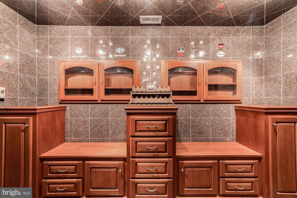 Interior fitting of custom made vault - 7395 BEECHWOOD DR, SPRINGFIELD