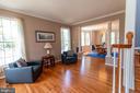 living room - 1302 WANETA CT, ODENTON
