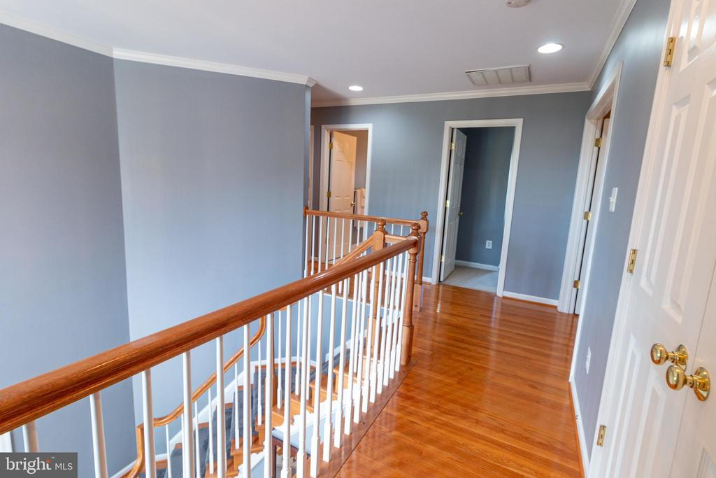 hallway - 1302 WANETA CT, ODENTON
