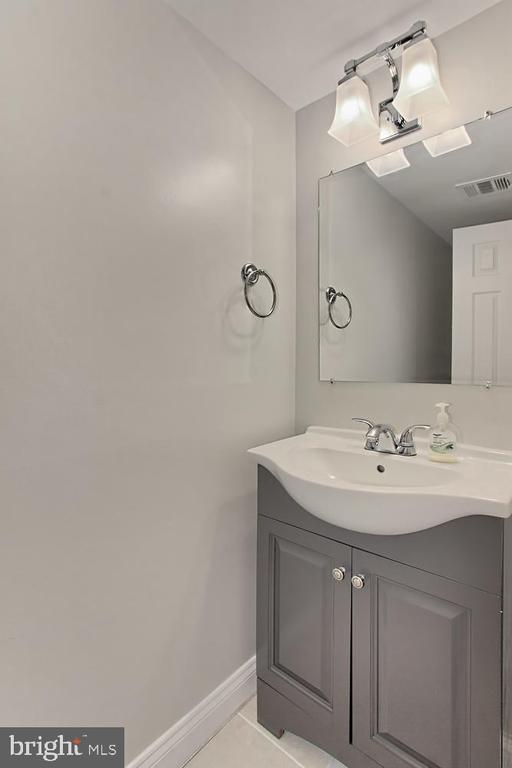 Powder Room - 4923 TIBBITT LN, BURKE