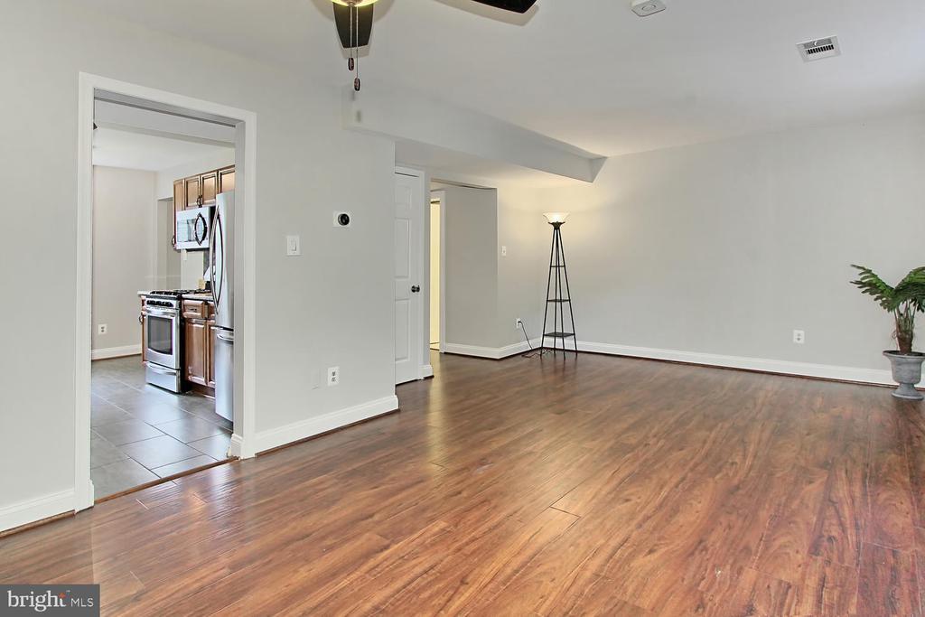 Living Room - 4923 TIBBITT LN, BURKE