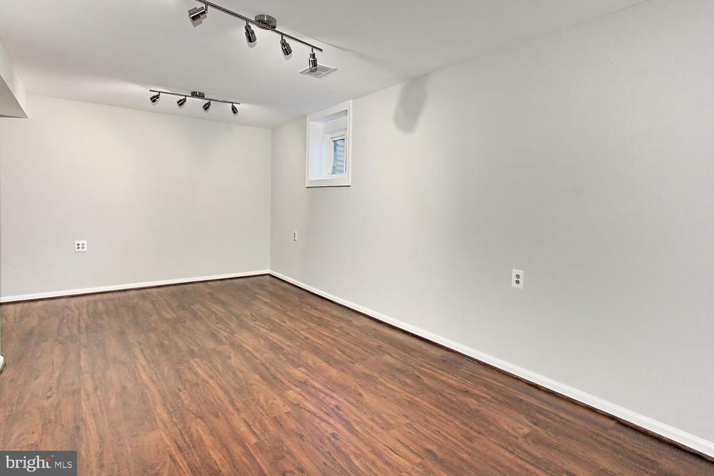 Rec Room - 4923 TIBBITT LN, BURKE