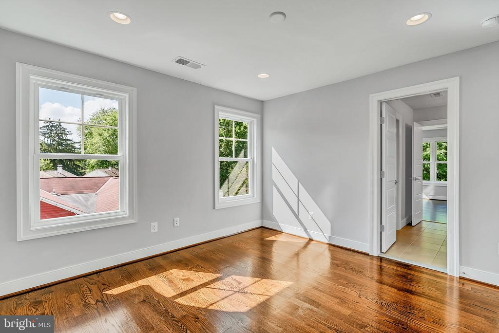 Upper Level - Optional Hardwood - 1849 WARE RD, FALLS CHURCH