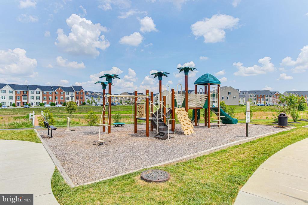 Playground - 4706 VONA LN, FREDERICK