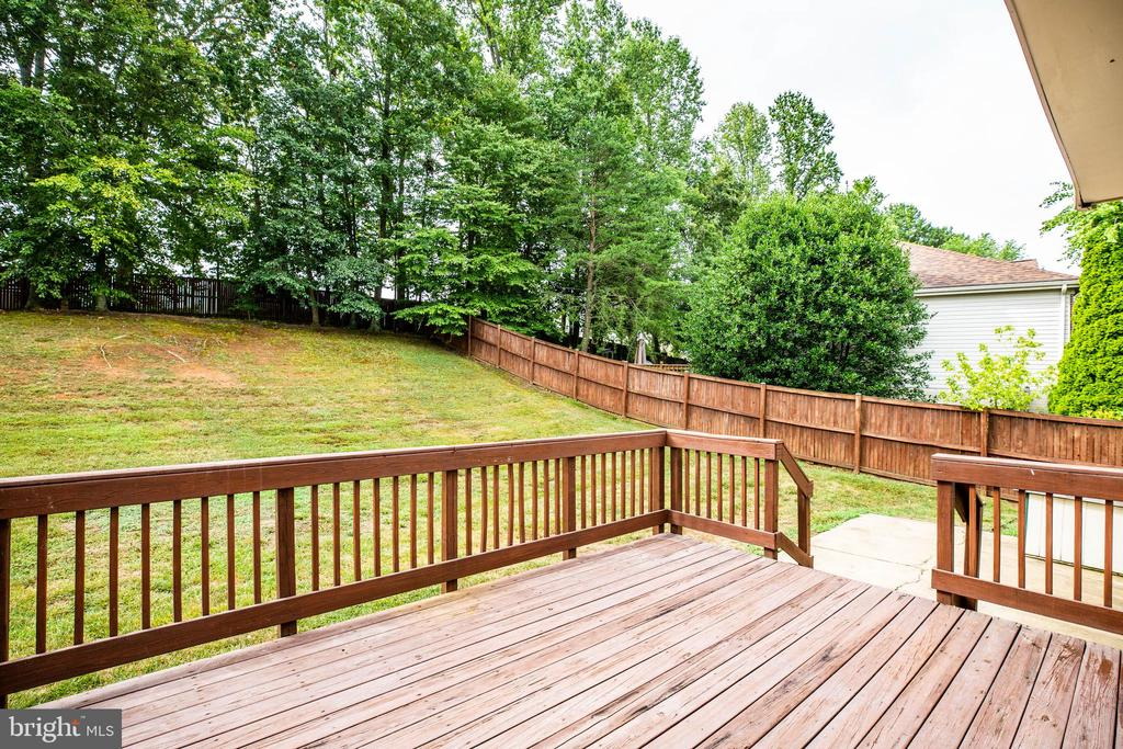 Deck/patio/fencing/backyard - 5 GREYSTONE PL, STAFFORD