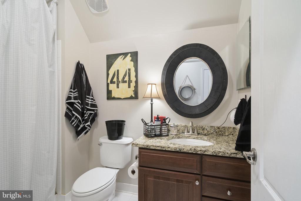 Bathroom - 42050 MIDDLEHAM CT, ASHBURN