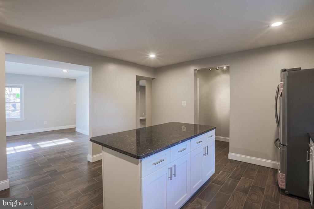 Granite Counter Tops - 1575 GROOMS LN, WOODSTOCK