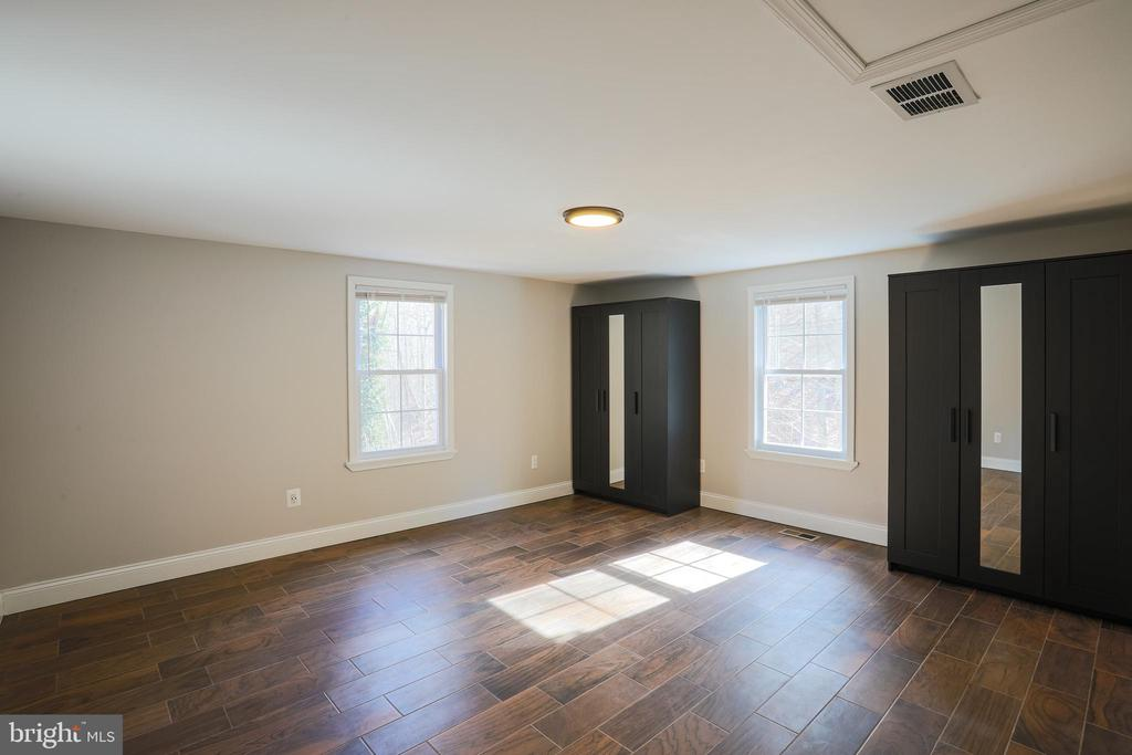 Large Rear Bedroom - 1575 GROOMS LN, WOODSTOCK