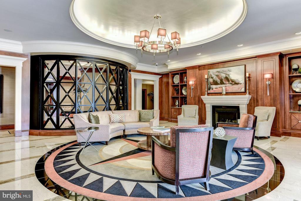 Lobby - 8220 CRESTWOOD HEIGHTS DR #1814, MCLEAN