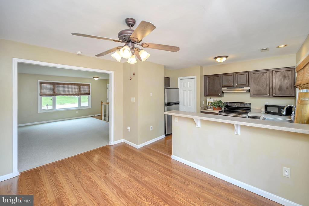 Kitchen into family room - 13 THORNBERRY LN, STAFFORD