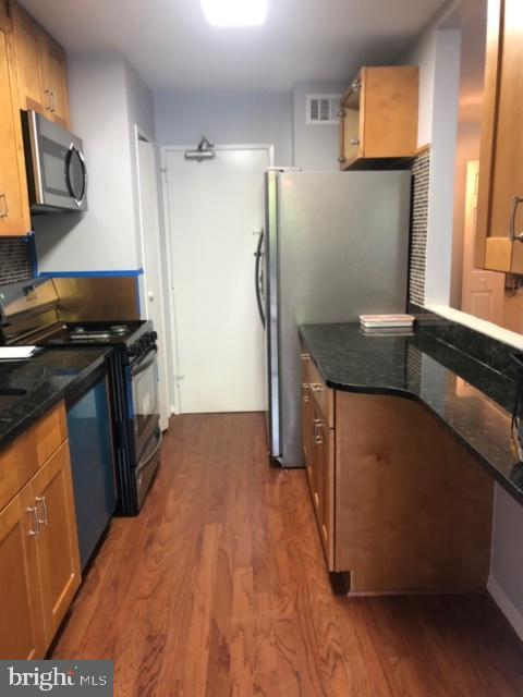 Renovated Kitchen, with new appliances. - 1900 LYTTONSVILLE RD #306, SILVER SPRING