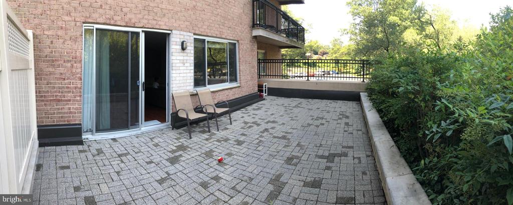 Large patio for relaxation and entertainment. - 1900 LYTTONSVILLE RD #306, SILVER SPRING