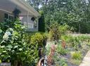 Gorgeous Landscaping - 544 WHITE PINE LN, BOYCE