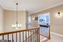 Open hallways with stunning ceiling height - 904 LOCUST ST, HERNDON
