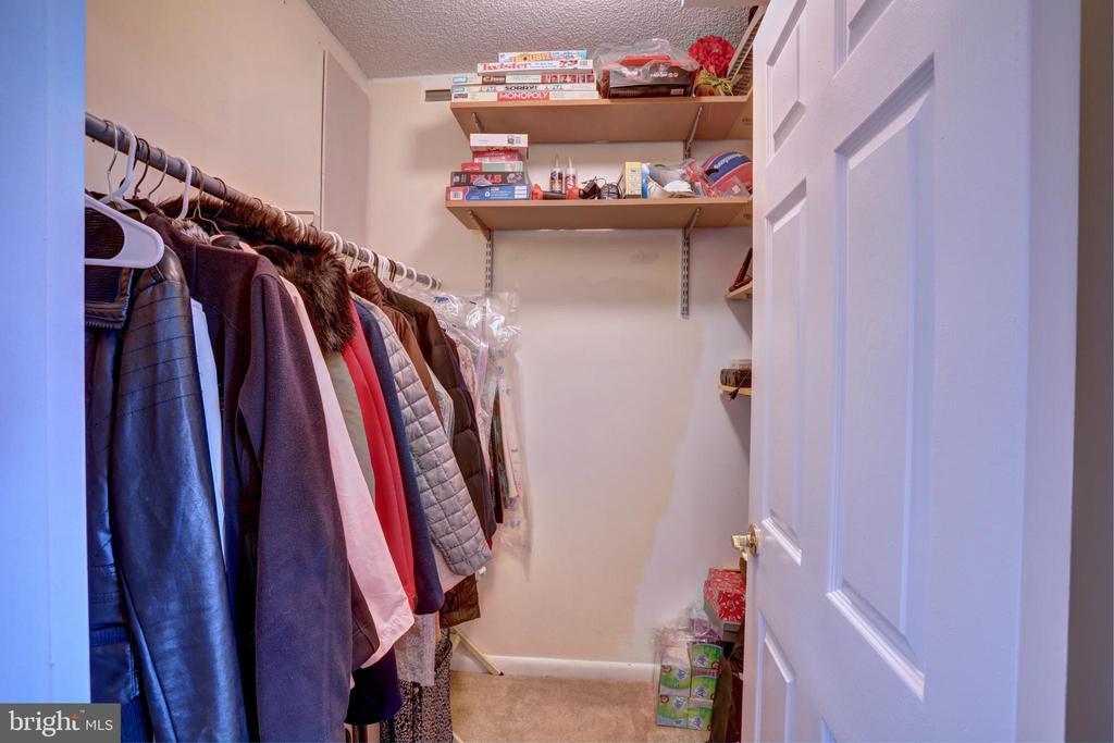 Foyer walk-in coat closet - 3701 S GEORGE MASON DR #409N, FALLS CHURCH