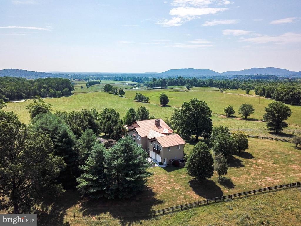Fenced pastures surround the house - 69 TWIN POST LN, HUNTLY