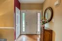 Two Story Open entry foyer - 43435 MINK MEADOWS ST, CHANTILLY