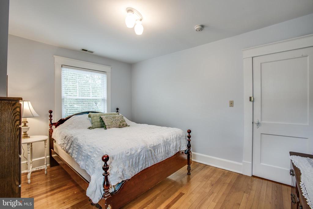 Upper level Bedroom #1 - 809 MORTIMER AVE, FREDERICKSBURG