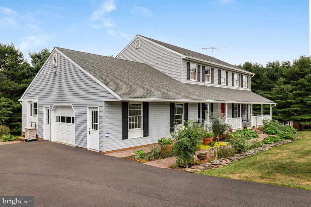 Two car garage with attic storage and workshop - 4406 REDROSE, MIDDLETOWN