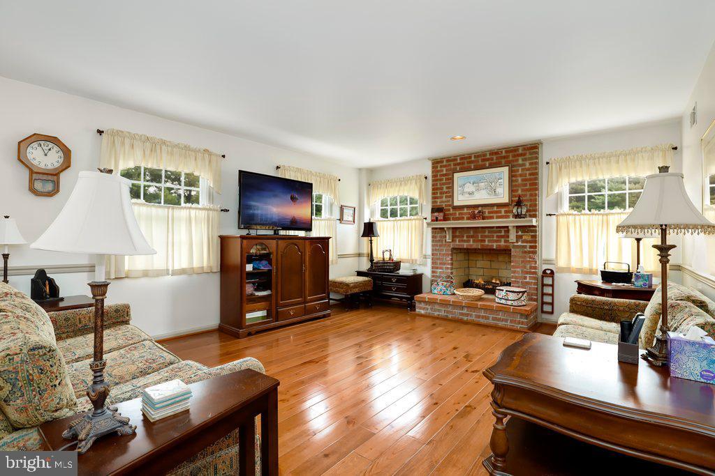 Hardwood floors - 4406 REDROSE, MIDDLETOWN