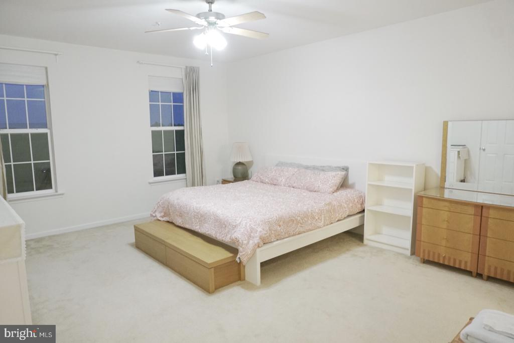 M.Bedroom - 43891 CENTERGATE DR, ASHBURN